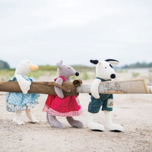 la grande famille wholesale toys