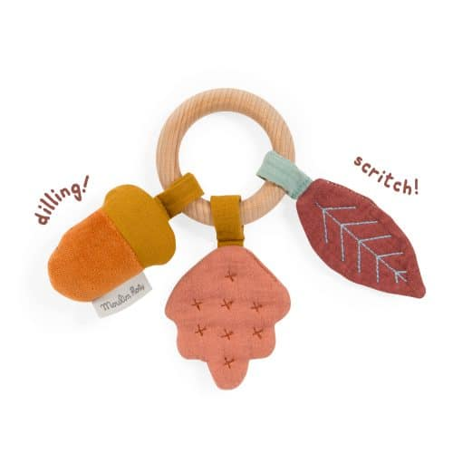 apres la pluie - wooden oak ring rattle
